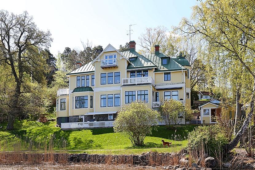 Bostadsrätt – Altan om 87 kvm –  Båtplats – Strand